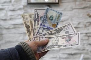 کاهش قیمت دلار جهانی