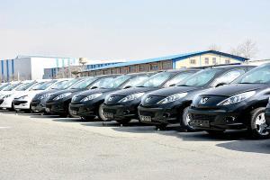 وعده ۶ ماهه وزیر صمت برای سروسامان دادن به وضعیت خودرو