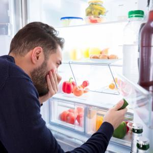 چگونه بوی یخچال را از بین ببریم؟