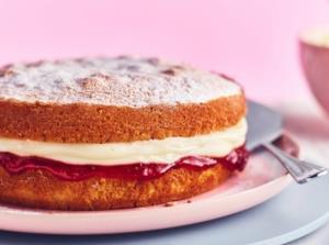 طرز پخت 6 نوع کیک خوشمزه برای صبحانه روز عید