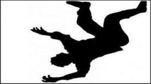 سقوط مرگبار کارگر اراکی از پلهها
