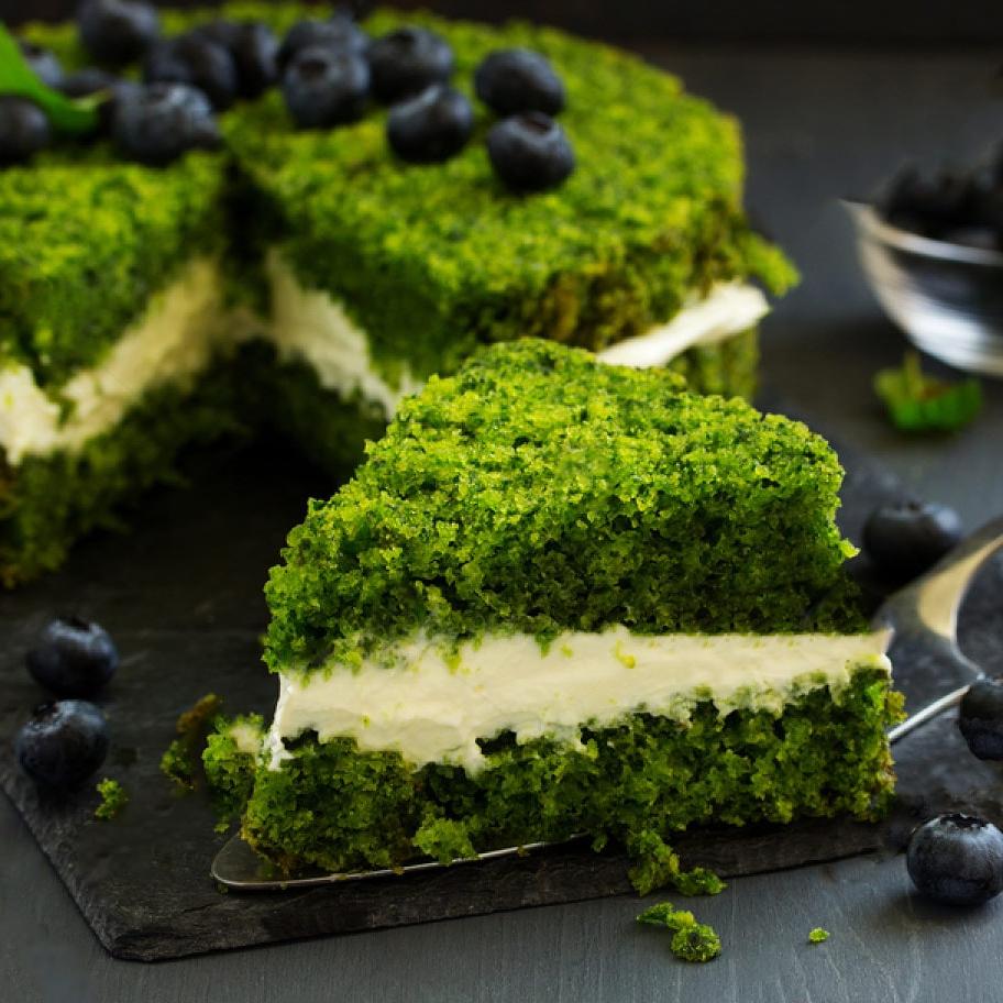 «کیک اسفناج» نرم و پف دار ویژه روز ولادت
