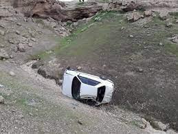 ۶ کشته و مجروح بر اثر سقوط پراید به دره در مسیر نودشه