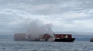 کشتی اسرائیلی در نزدیکی ساحل کانادا آتش گرفت