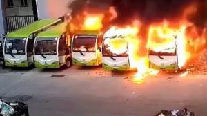 آتش سوزی در اتوبوس های برقی آلمان!