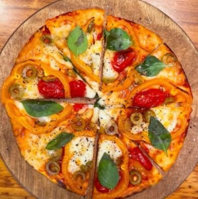 2 مدل از ساده ترین و خوشمزه ترین روش های تهیه «پیتزا» خانگی