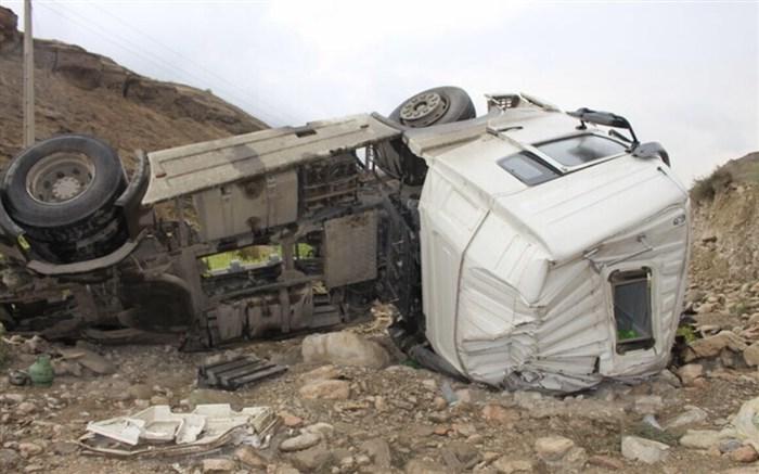 تصادف هولناک تریلی حامل خودرو در شیراز