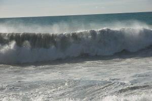 افزایش ارتفاع موج در خلیج فارس