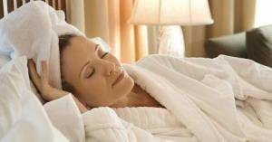 با موی خیس خوابیدن ممنوع