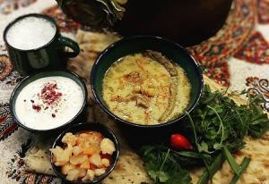 دستور تهیه آبگوشت دوغ دار از غذاهای سنتی و خوشمزه اراک