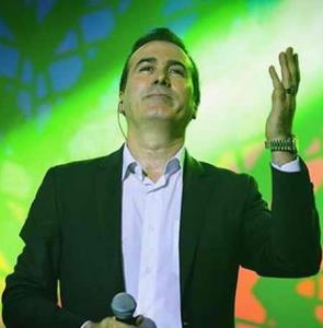 کنسرت خیابانی رحیم شهریاری با بیش از ده هزار تماشاگر