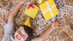 مهارت زندگی/ جشن تولد برای بچهها لازم است یا نه؟