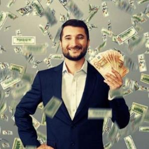 ثروت پدرشوهرم 100 میلیارد است اما در زندگیام عشق نیست