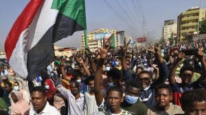 رئیس شورای حاکمیتی سودان دولت را منحل کرد