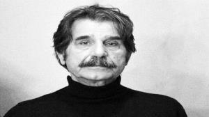 ویدئویی دهه شصتی با حضور عزت الله مهرآوران در رادیو