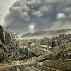 فوران وحشتناک آتشفشان در اسپانیا