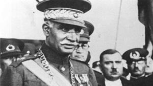 برگی از تاریخ/ ماجرای کتک کاری رضاخان با یک روزنامه نگار!