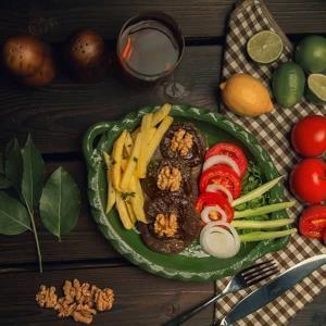 طرز تهیه آغوز کوکو، از غذاهای سنتی و خوشمزه شمال کشور