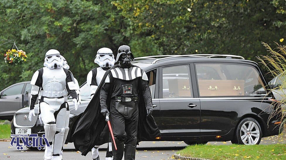مراسم تدفین با تم لباس جنگ ستارگان!