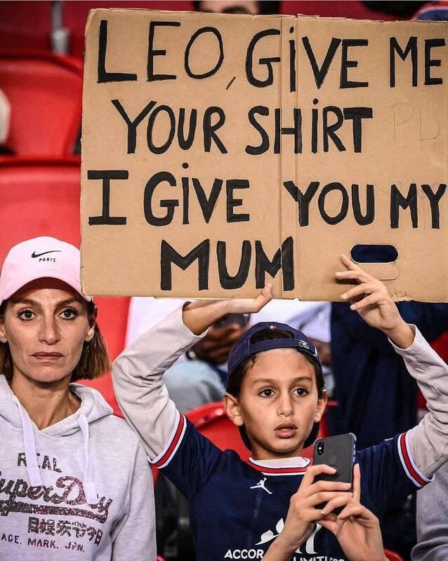 عکس/ عواقب پدیده سلبریتی پرستی؛ درخواست تاسف برانگیز یکی از هواداران مسی!