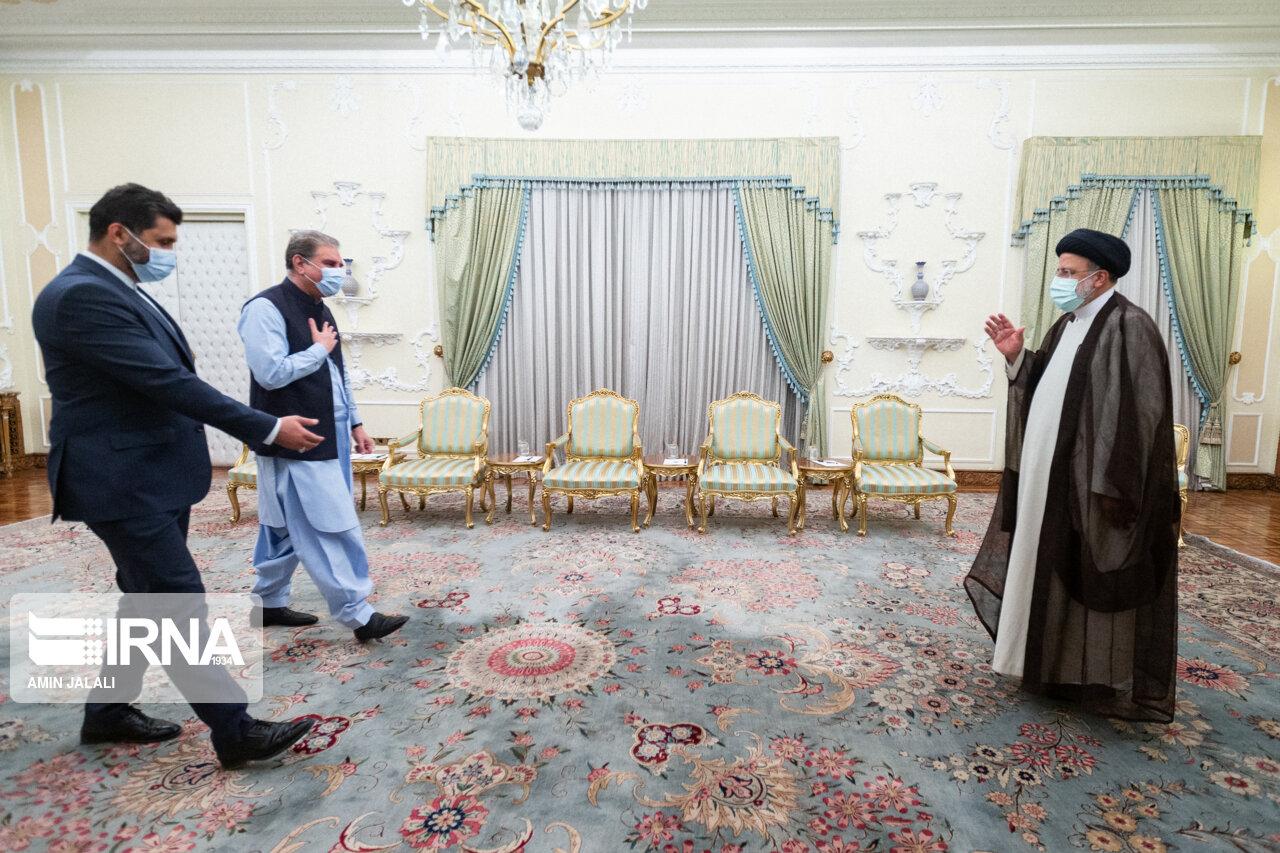 عکس/ دیدار وزرای امور خارجه کشورهای همسایه با رئیس جمهور