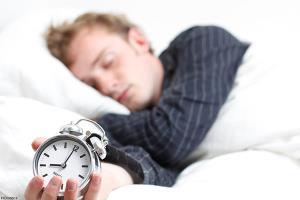 خوابیدن با دهان باز نشانه اختلال تنفسی است/عوارض خشکی گلو