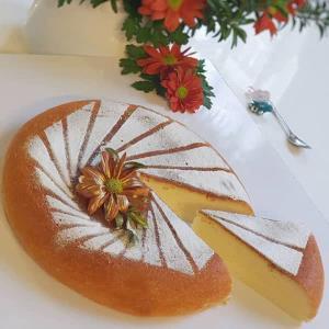 کیک پنیری ساده با بافت بسیار نرم و پنبه ای