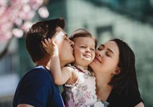 خانواده نمونه چه ویژگیهایی دارد؟