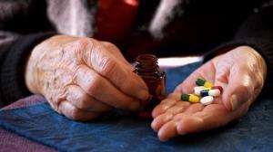 راهکارهایی برای مدیریت داروهای سالمندان