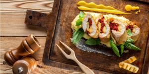 پیش غذا با پنیر کبابی: وعده غذایی سرشار از پروتئین