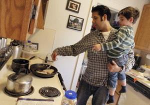 ارتباط مشارکت مردان در امور خانه و افزایش جمعیت