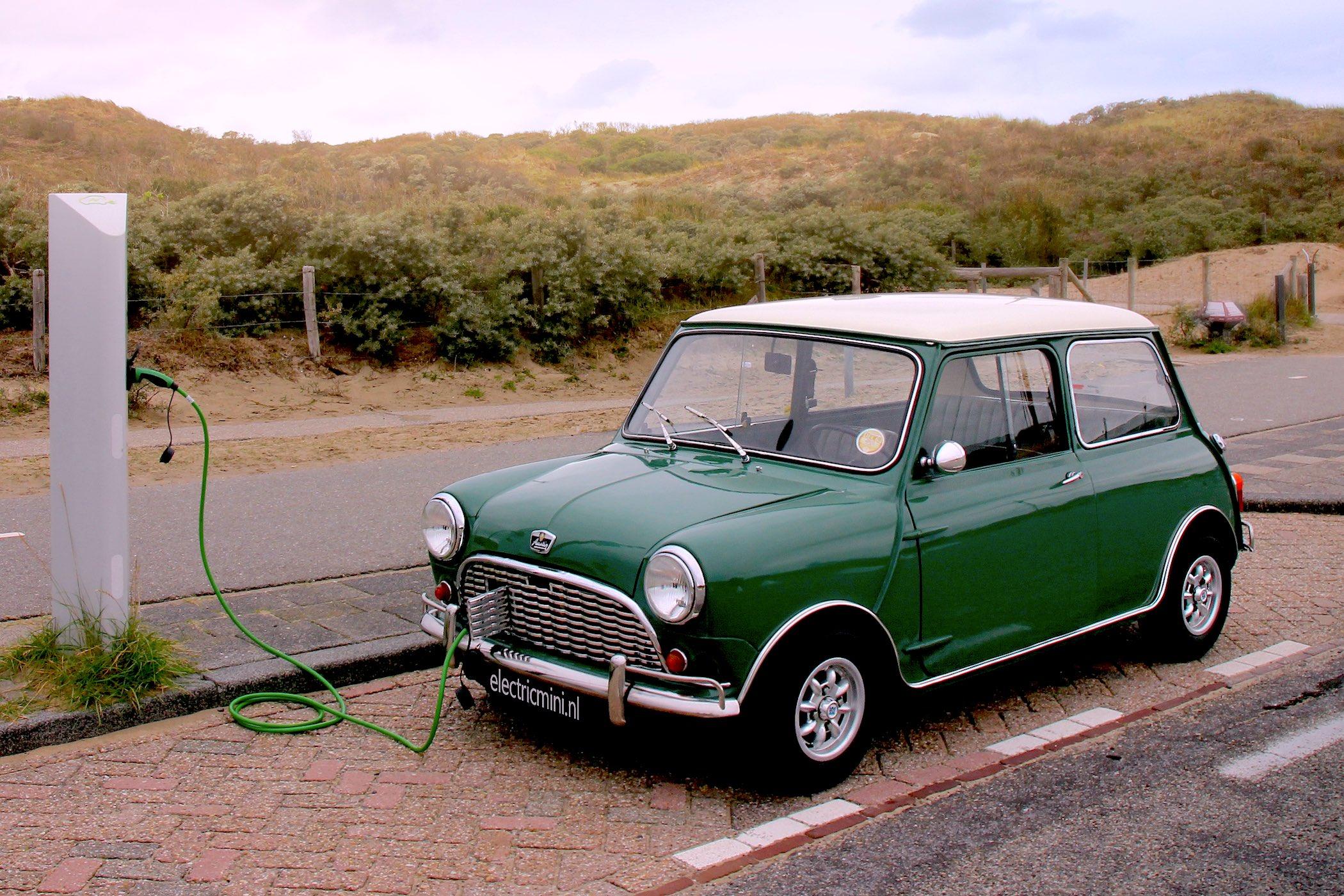 رونق و محبوبیت تبدیل خودروهای کلاسیک به خودروهای برقی