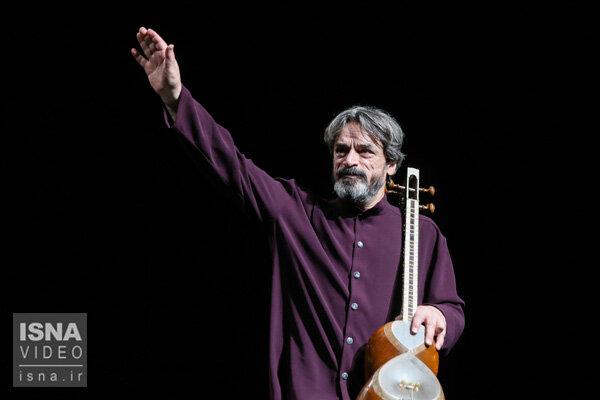 اجرای قطعه بی نظیر «سلام» اثر حسین علیزاده و گروه هم آوایان