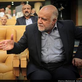 کیهان: پای زنگنه در حمله سایبری به سامانه کارت سوخت در میان است