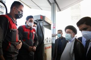 بازدید میدانی رئیس جمهور از یک جایگاه سوخت در تهران