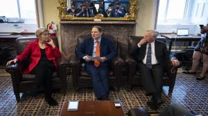 پیشنهاد اخذ مالیات برای جبران درآمد دولت از سوی دموکراتهای مجلس آمریکا