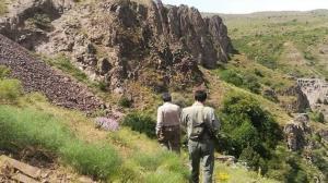 دستگیری شکارچیان آهوان در میانه