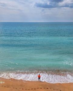 تلاقی دریا و آسمان در ساحل هرمزگان