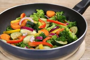 فواید غذایی سبزیجات با کدام روش پخت حفظ می شود؟