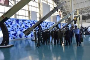 هیئت پاکستانی از نمایشگاه دستاوردهای هوا فضای سپاه بازدید کرد