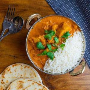 آموزش «باتر چیکن هندی» مزه دار با ماست و برنج