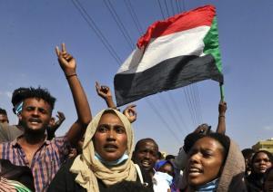 سومین روز اعتراضات سودانیها؛ پروازها در فرودگاه خارطوم ازسرگرفته شدند