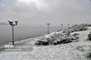 بارش دومین برف پاییزی در گلستان؛ فعالیت سامانه تا فردا ادامه دارد