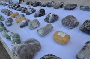 پلیس سمنان طی ۴ عملیات یک تن مواد مخدر کشف کرد