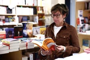 عزم جزم فرانسه برای مقابله با انحصار آمازون بر بازار کتاب