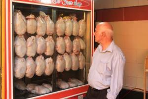 بالا و پایین پریدن قیمت مرغ در بازار زاهدان
