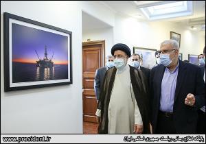 عکس/ بازید رئیس جمهور از سامانه سوخت در وزارت نفت