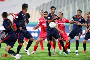 دیدار تیمهای پرسپولیس و نساجی در هفته دوم لیگ برتر فوتبال