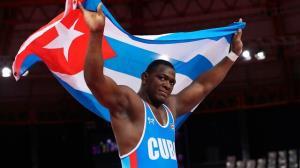 تبریک رئیس جمهور کوبا به آقای ترسناک!