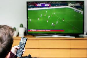 شوخی تلویزیون با فوتبال